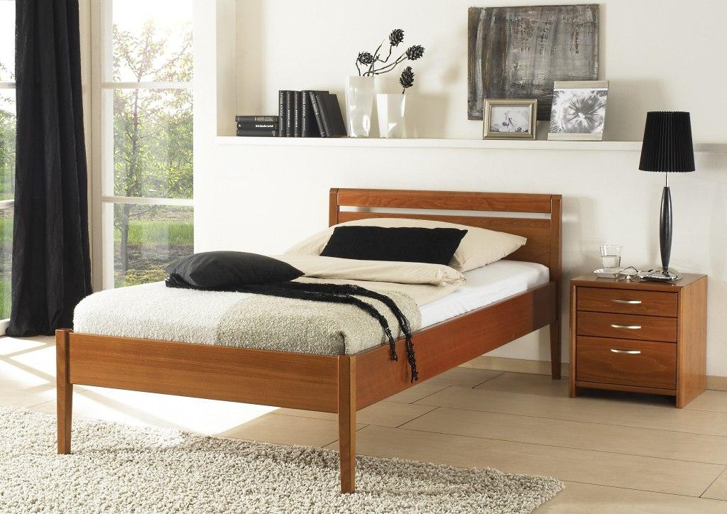 Stoll-Seniorenbetten-Komfort-Bettgestelle-Nachtkonsole-Malta-kaufen